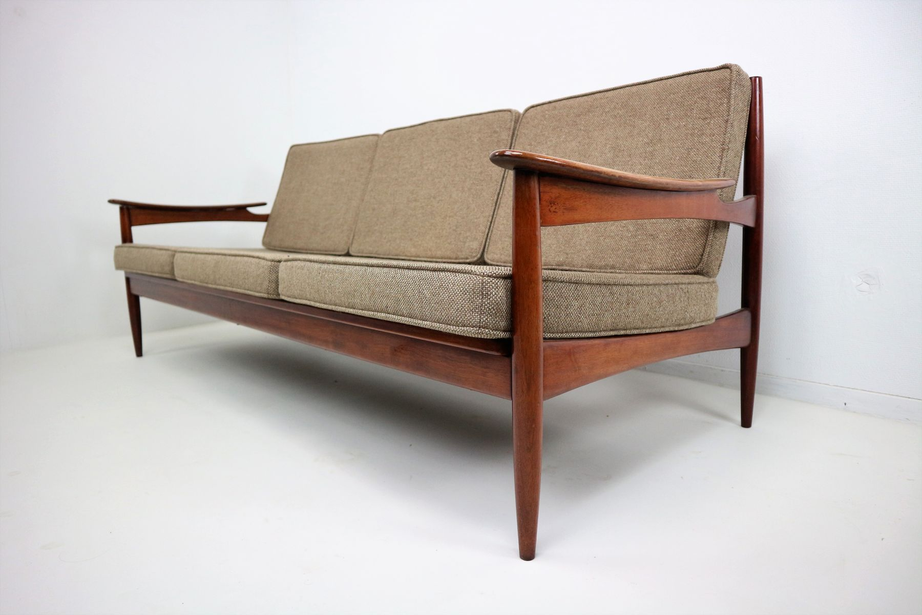 Mid Century Danish Rosewood Sofa from Lifa for sale at Pamono
