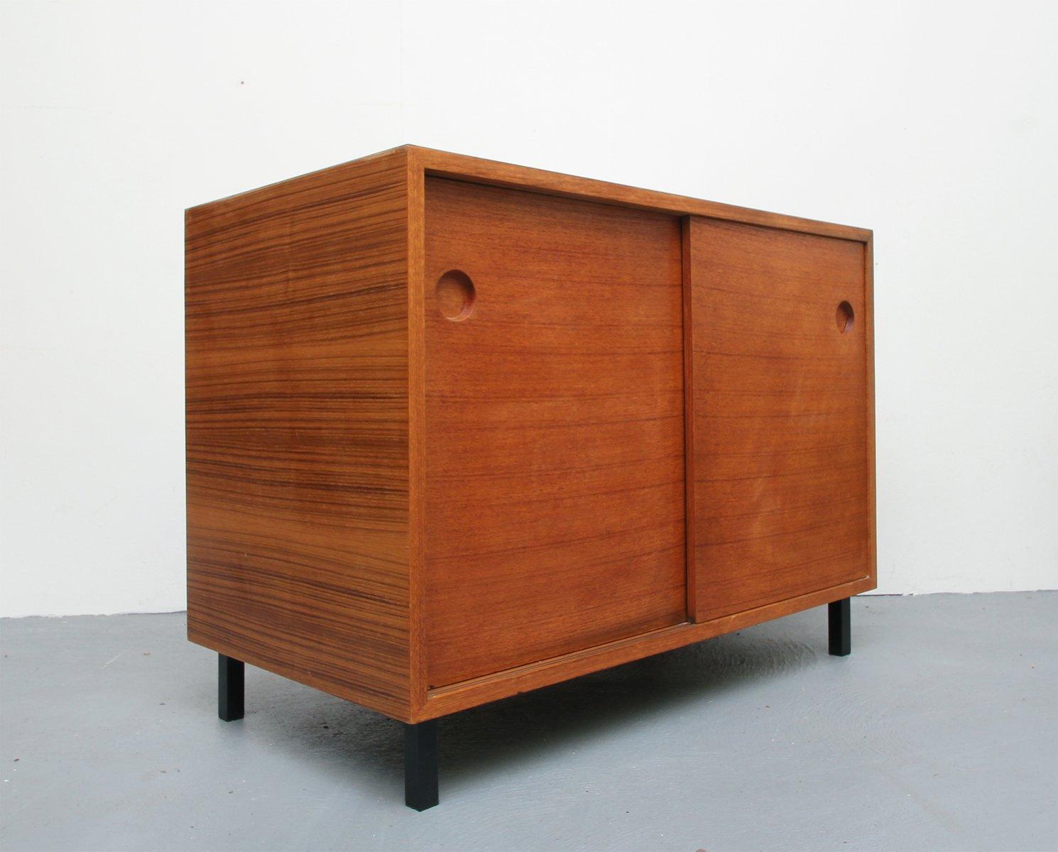 sideboard aus teak furnier resopal mit schiebet ren 1960er bei pamono kaufen. Black Bedroom Furniture Sets. Home Design Ideas