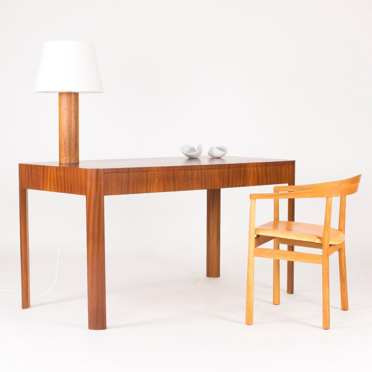 schwedischer mahagoni furnier schreibtisch 1930er bei pamono kaufen. Black Bedroom Furniture Sets. Home Design Ideas
