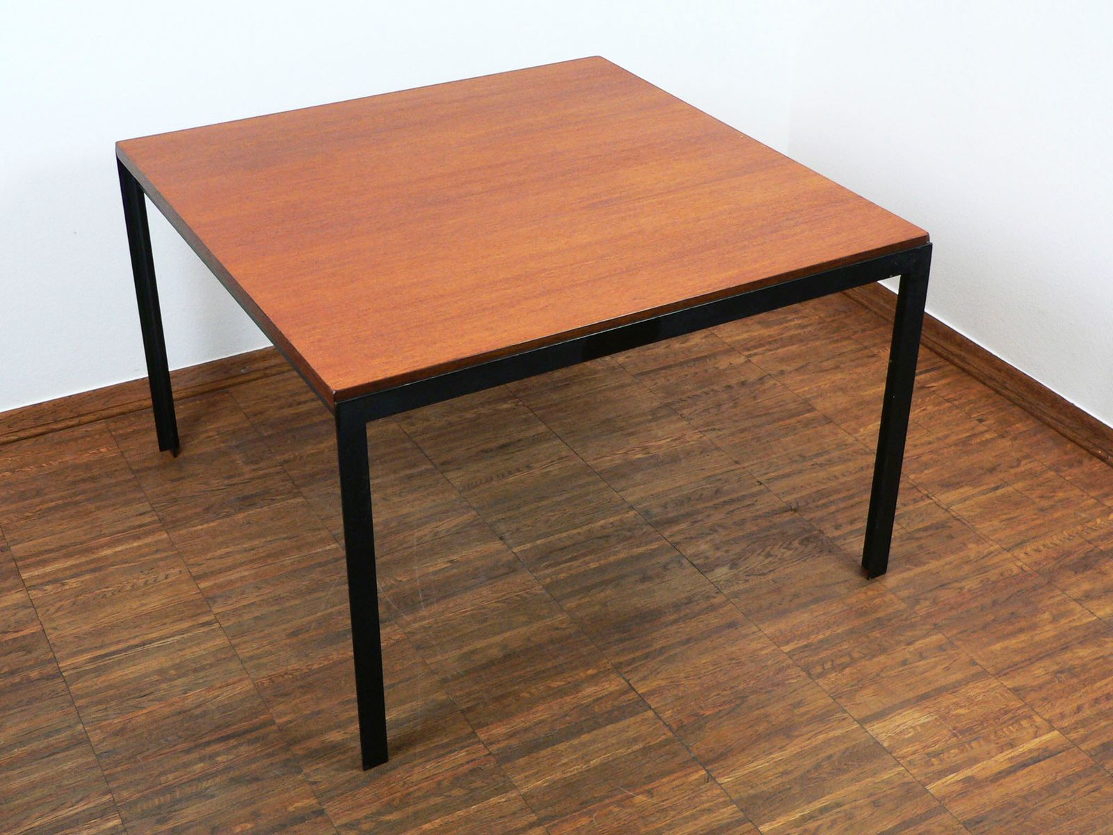 T angle coffee table by florence knoll for knoll 1950s Florence knoll coffee table