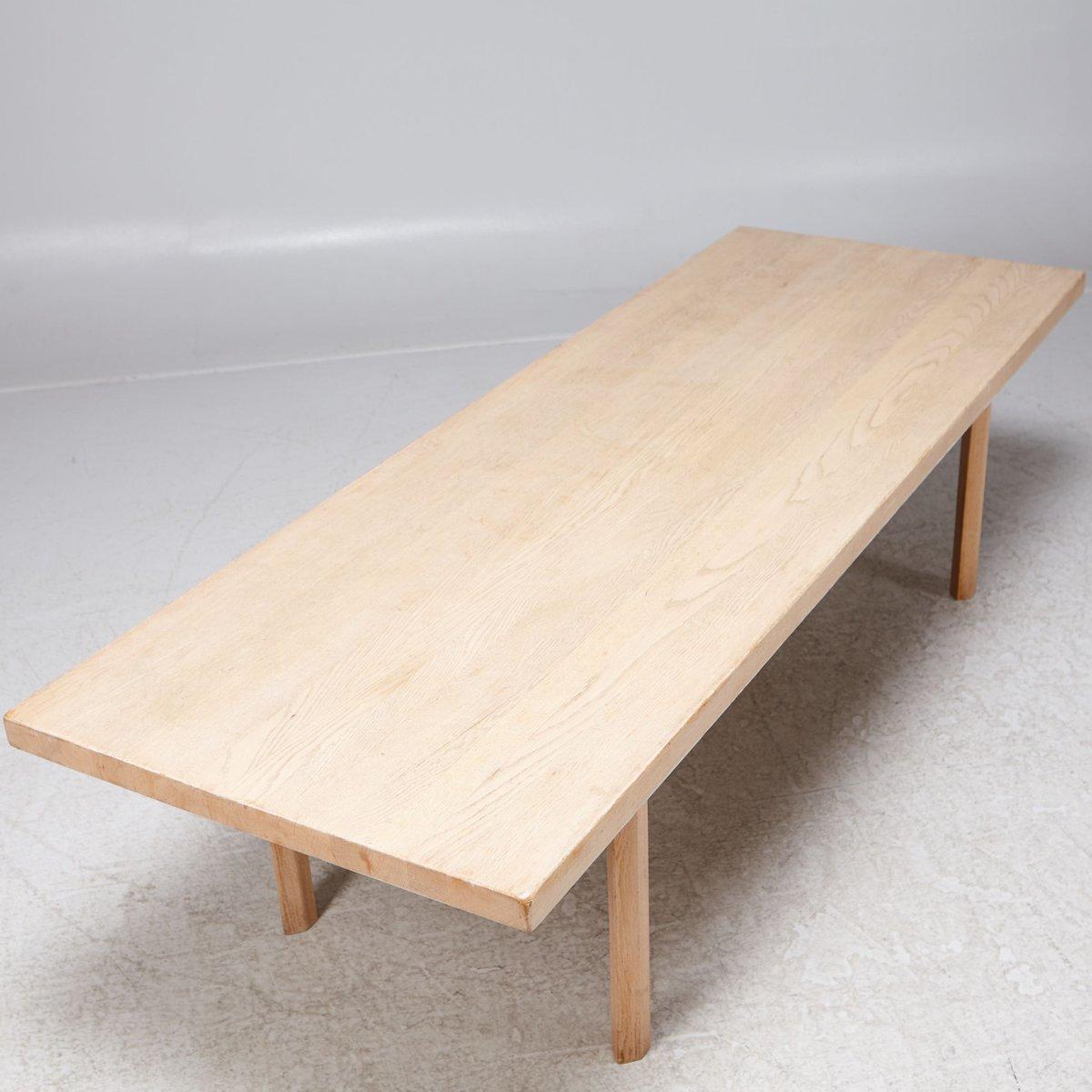 wei er eichenholz couchtisch von hans j wenger 1960er bei pamono kaufen. Black Bedroom Furniture Sets. Home Design Ideas