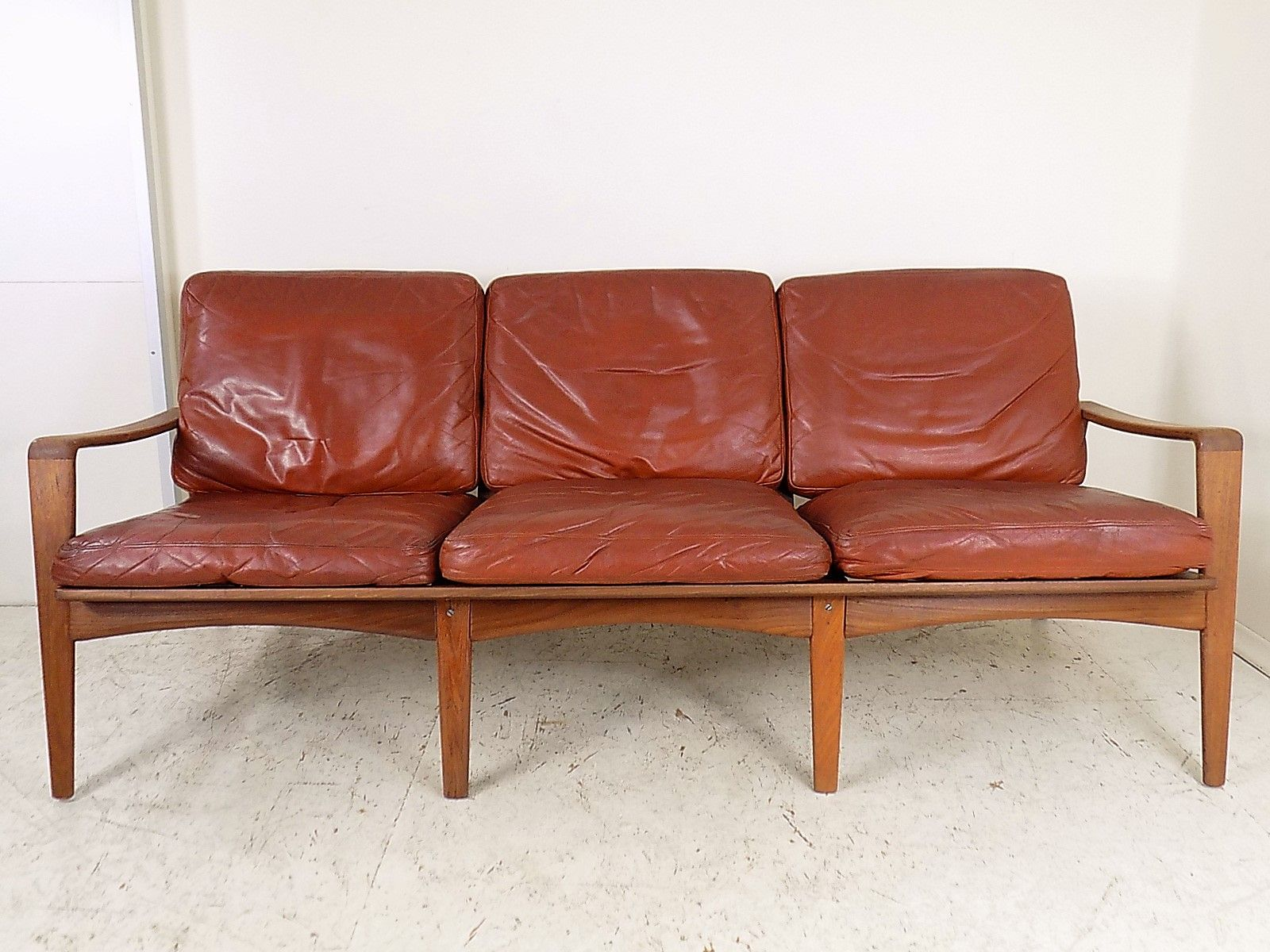 brown leather teak sofa by arne wahl iversen for komfort 1960s for sale at pamono. Black Bedroom Furniture Sets. Home Design Ideas