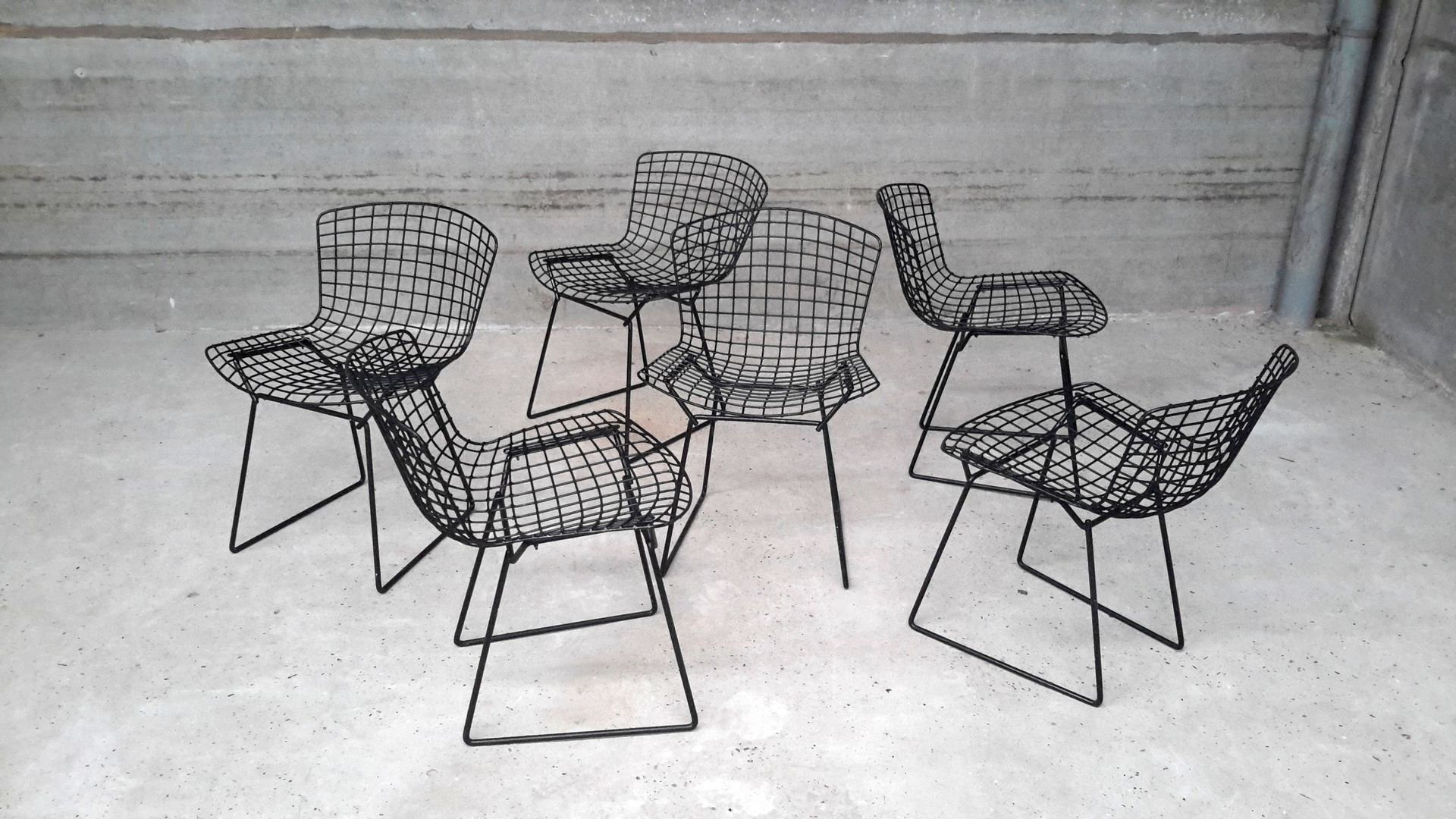 Vintage Chairs by Harry Bertoia for Knoll, Set of 2 for sale at Pamono