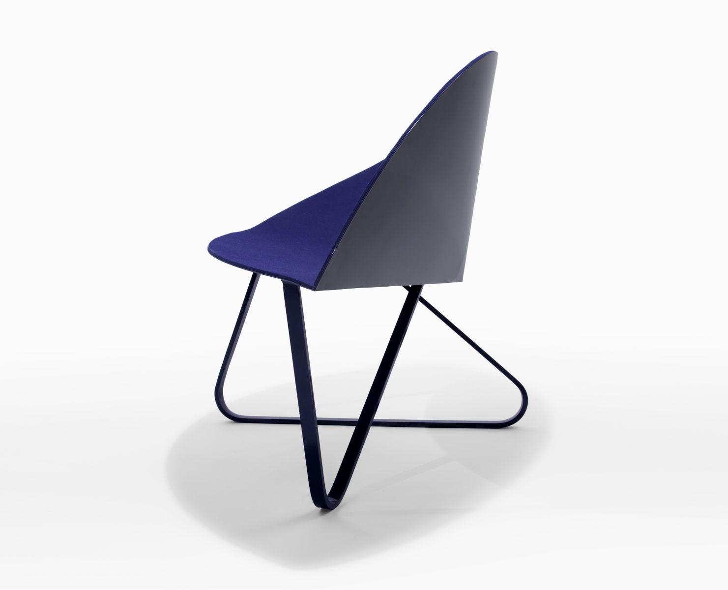 Stuhl aus filz und beschichtetem stahl von nina cho bei for Design stuhl filz