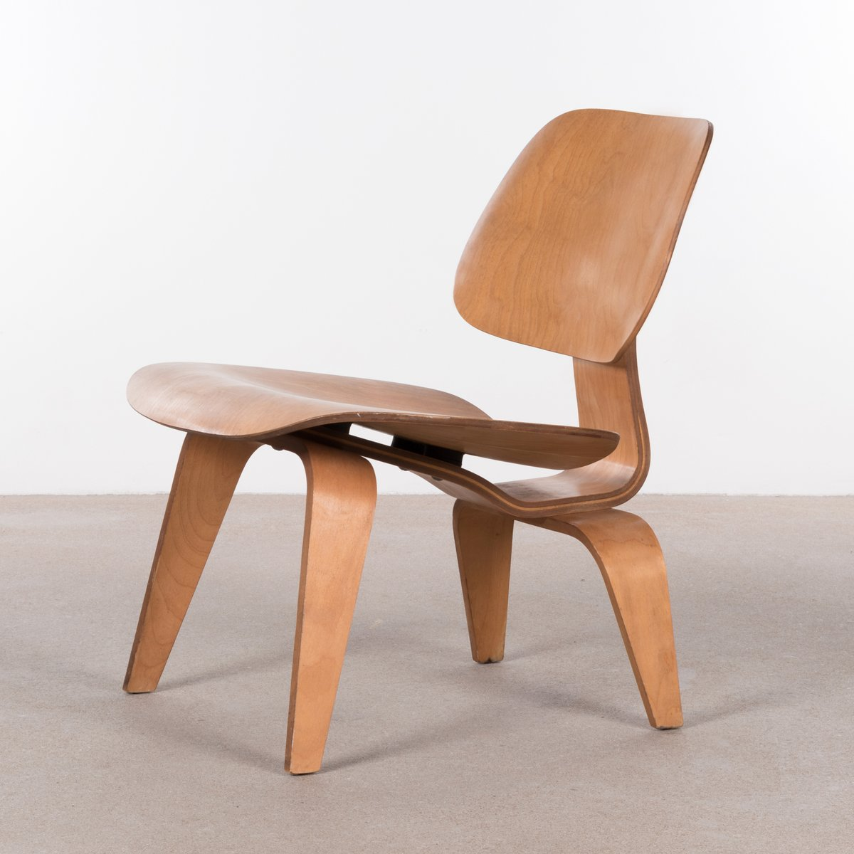 American LCW Maple Lounge Chair By Charles & Ray Eames For