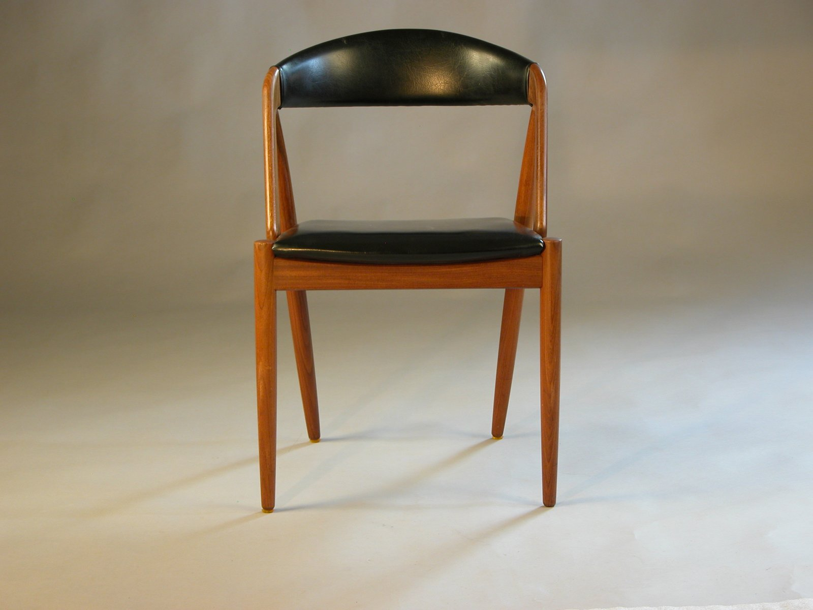 Vintage model 31 dining chair in teak and black leatherette by kai kristiansen for sale at pamono - Kai kristiansen chair ...