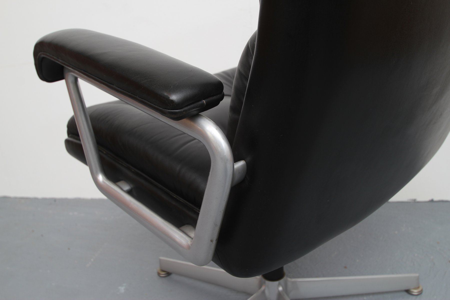 Black Leather fice Chair from Girsberger 1960s for sale at Pamono