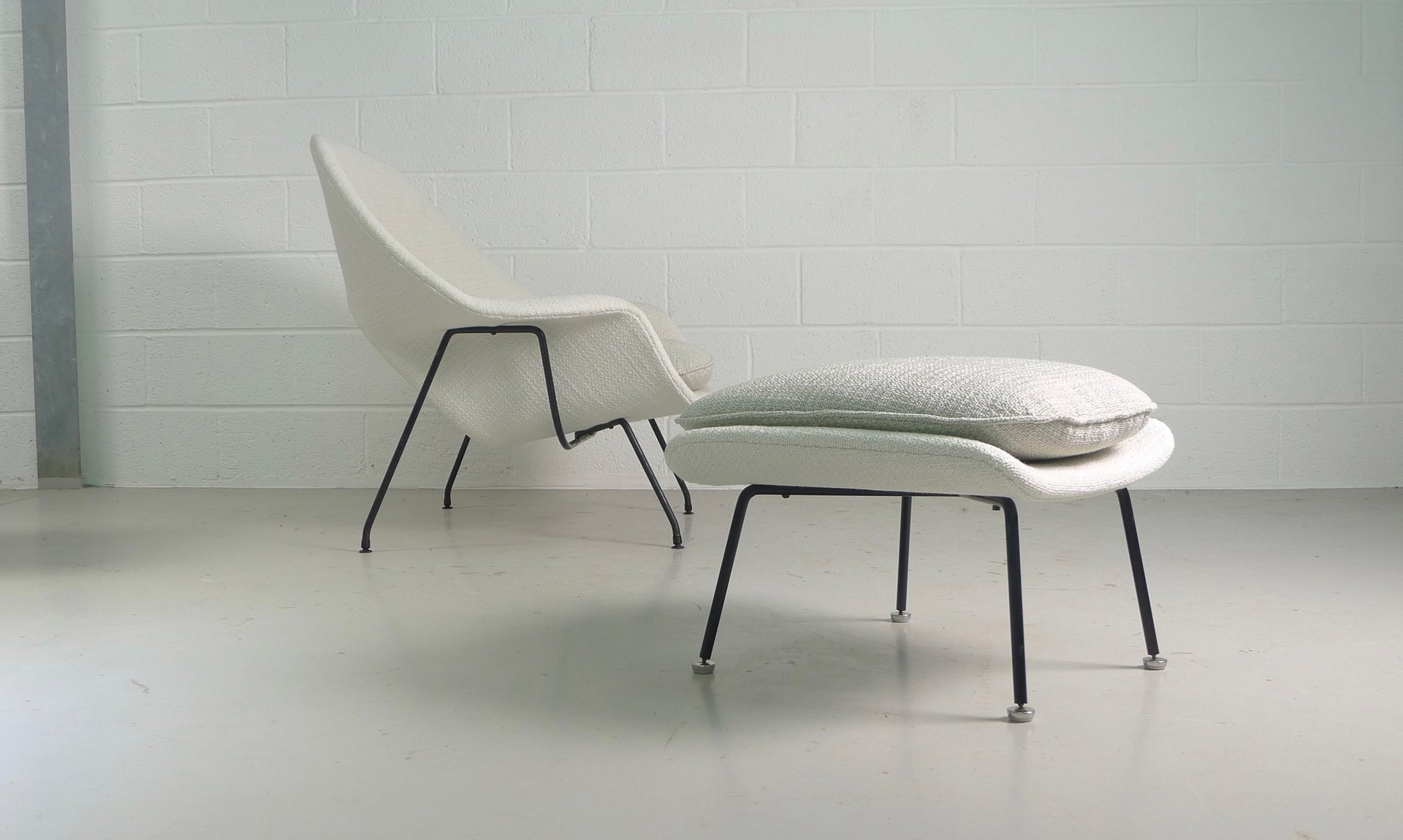 Vintage Womb Chair and Ottoman by Eero Saarinen for Knoll for sale
