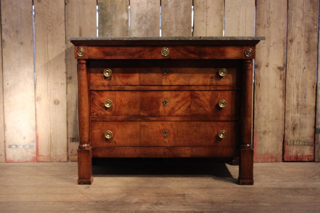 empire walnuss kommode 19 jh bei pamono kaufen. Black Bedroom Furniture Sets. Home Design Ideas