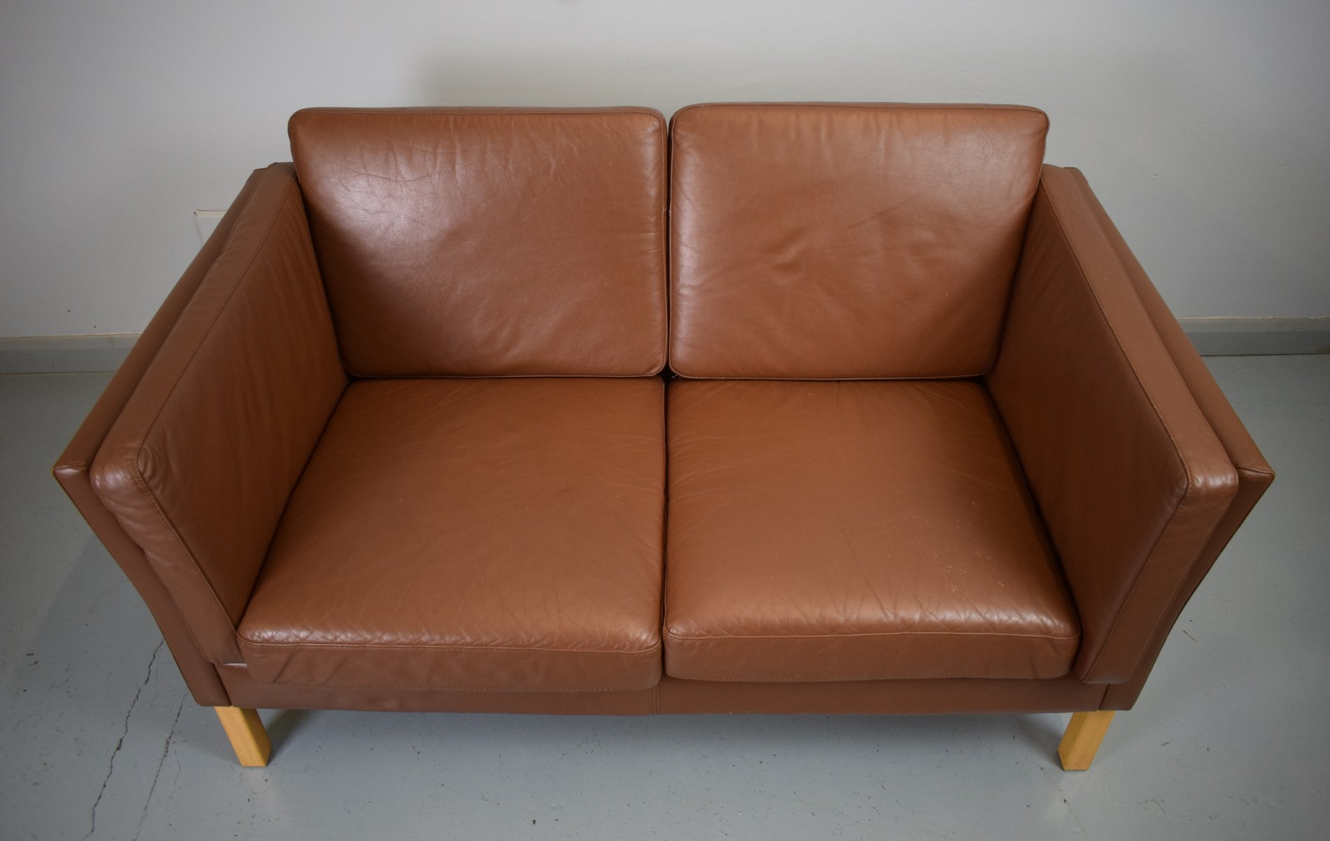 mid century danish brown leather sofa 1970s for sale at pamono. Black Bedroom Furniture Sets. Home Design Ideas