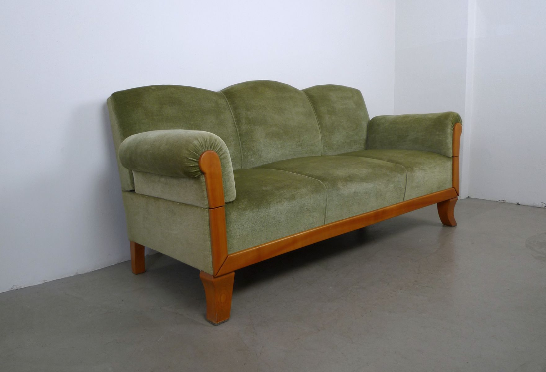 3 sitzer sofa aus kirschholz von joseph kreuzburg 1930er. Black Bedroom Furniture Sets. Home Design Ideas