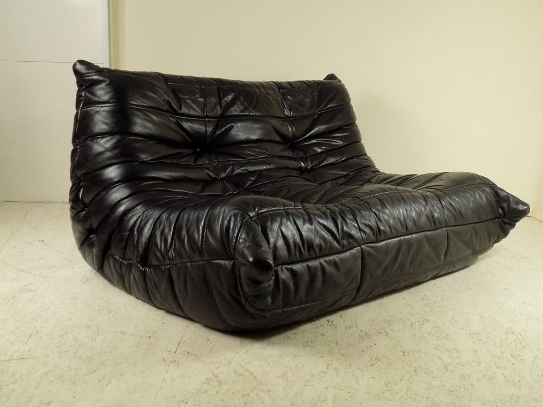 black leather togo sofa by michel ducaroy for ligne roset. Black Bedroom Furniture Sets. Home Design Ideas