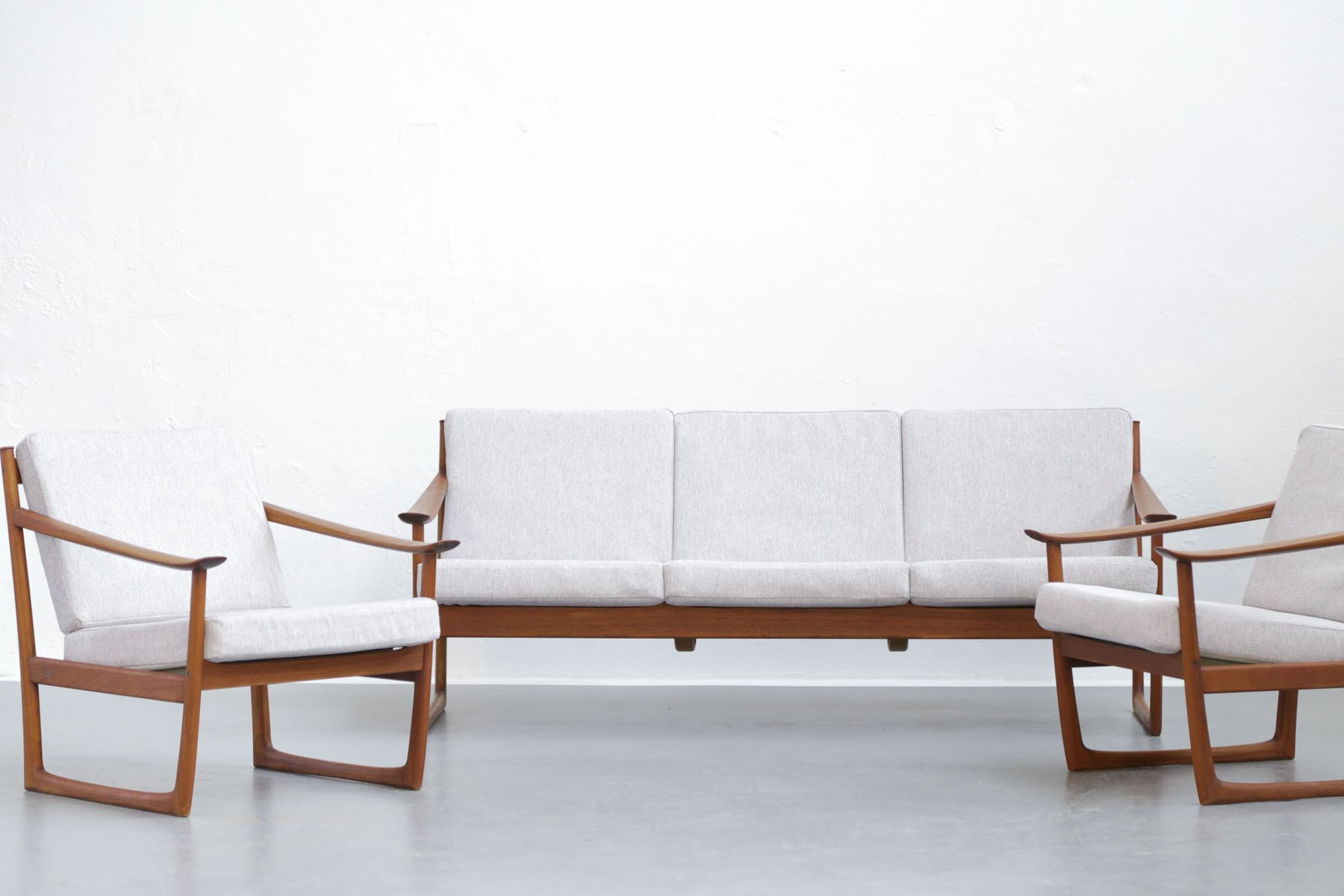 danish fd130 sofa and 2 chairs by peter hvidt orla. Black Bedroom Furniture Sets. Home Design Ideas