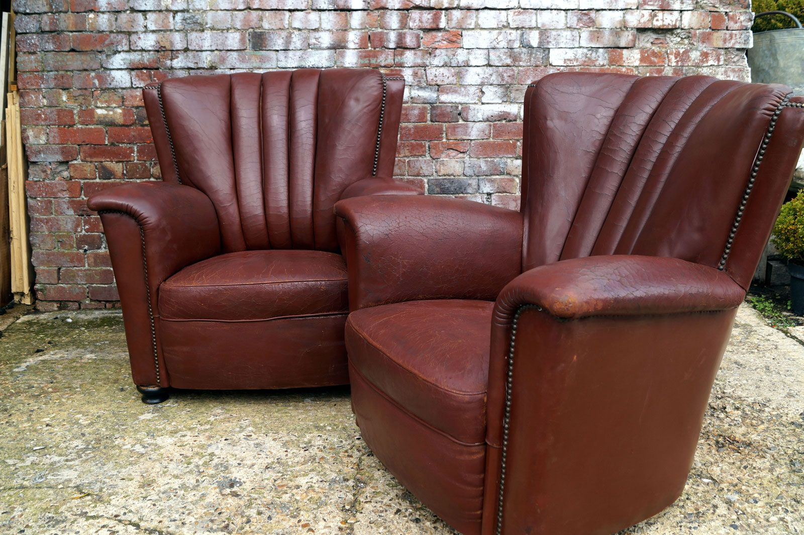 Italian Leather Chairs from Artifort, 1930s, Set of 2 for sale at Pamono