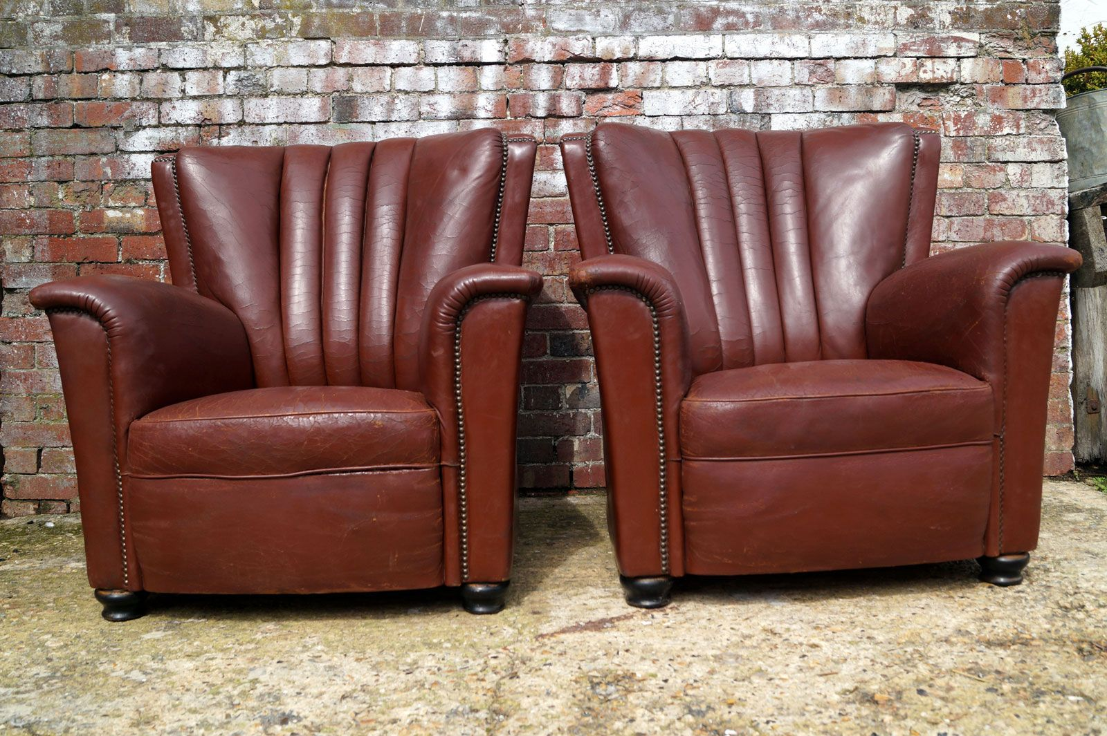 Italian Leather Chairs from Artifort, 1930s, Set of 2