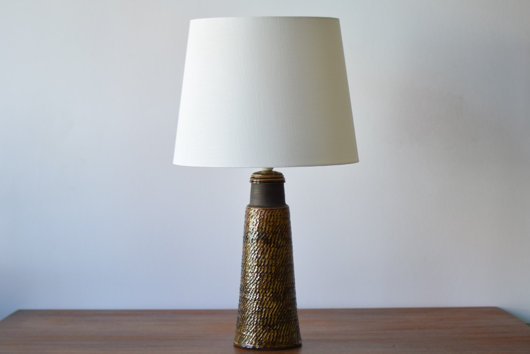 Superior Tall Danish Ceramic Table Lamp With Amber Glaze By Nils Kähler For HAK,  1960s For Sale At Pamono