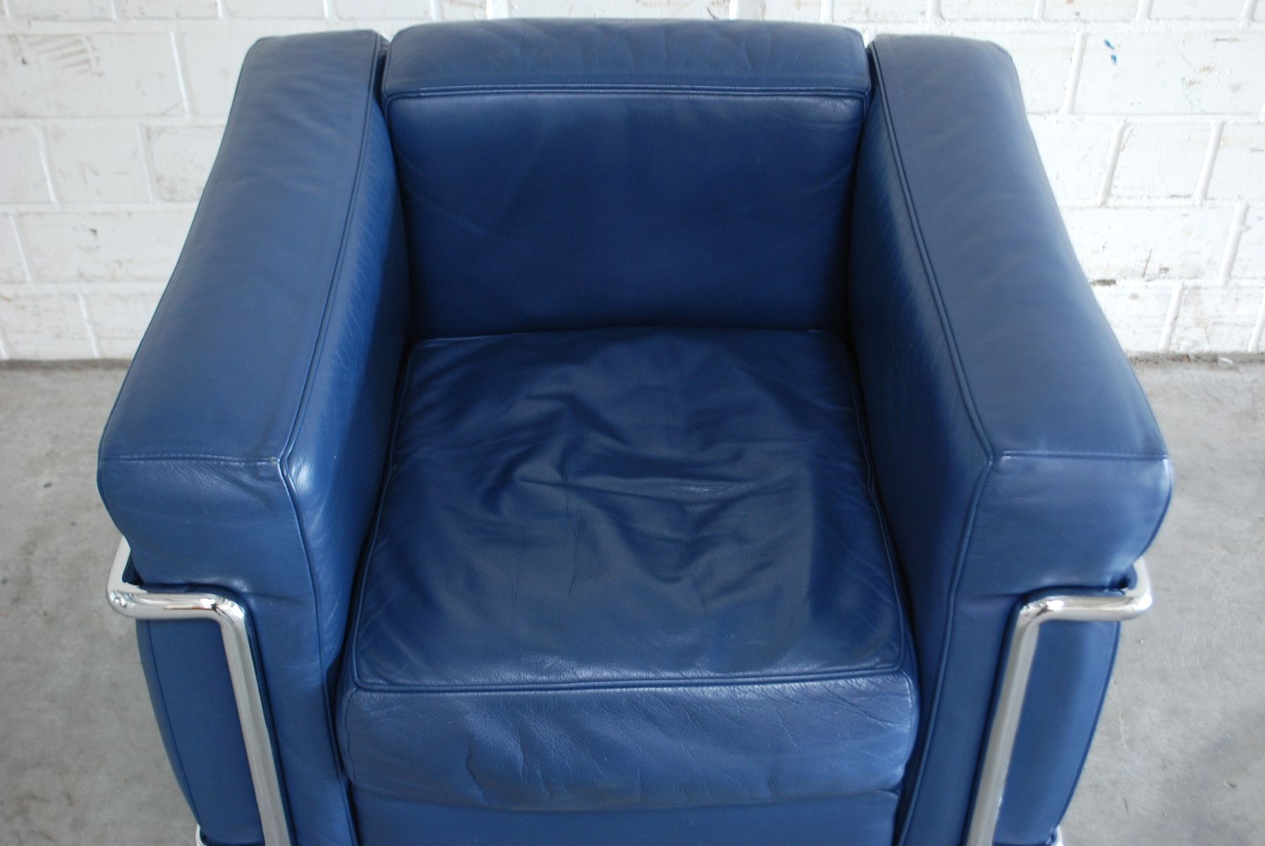 Le corbusier chair vintage - Vintage Blue Model Lc2 Leather Chair By Le Corbusier For Cassina