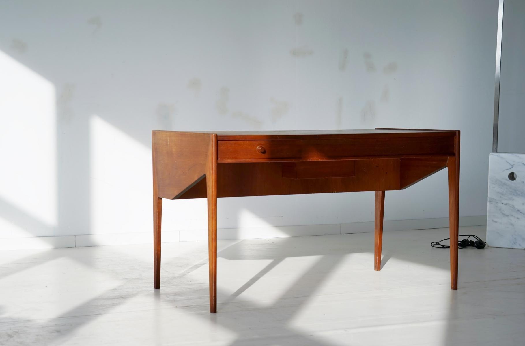 d nischer mid century teak schreibtisch bei pamono kaufen. Black Bedroom Furniture Sets. Home Design Ideas