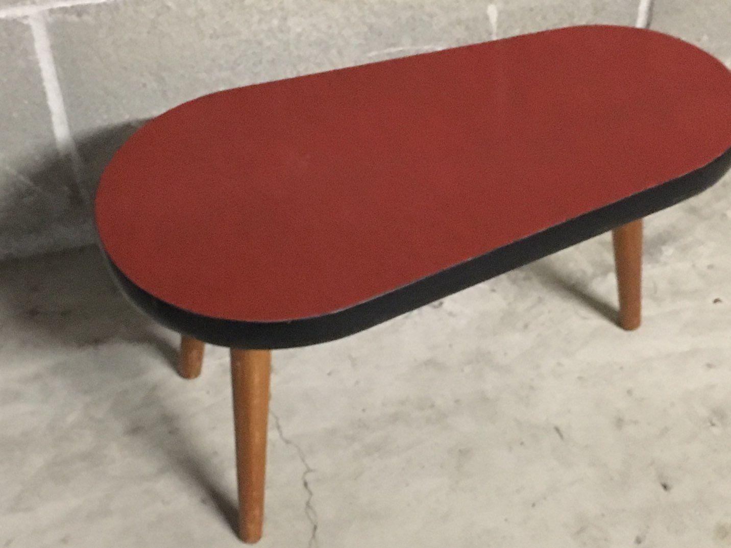 kleiner couchtisch 1950er bei pamono kaufen. Black Bedroom Furniture Sets. Home Design Ideas