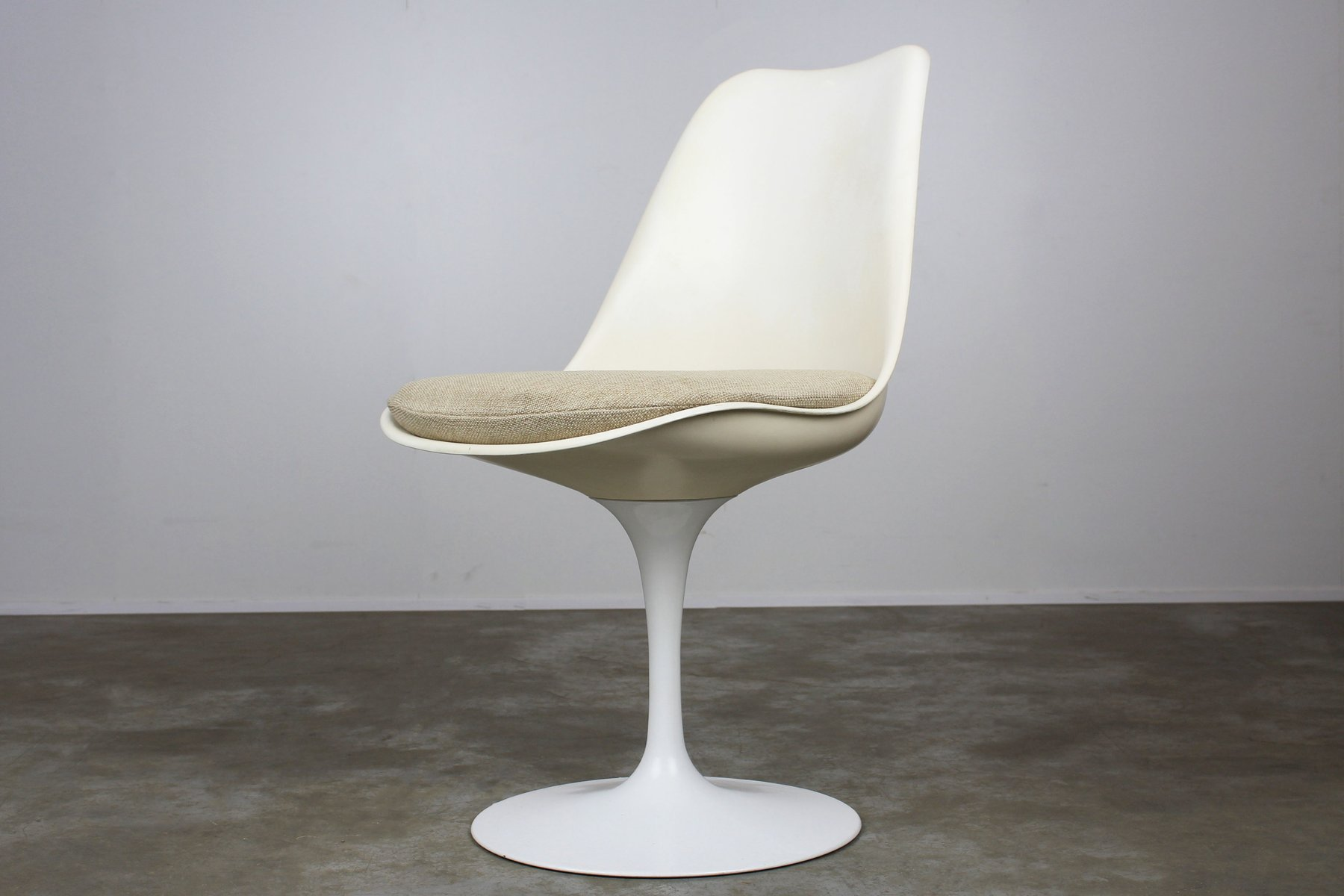 tulip st hle von eero saarinen f r knoll international 1960er 6er set bei pamono kaufen. Black Bedroom Furniture Sets. Home Design Ideas