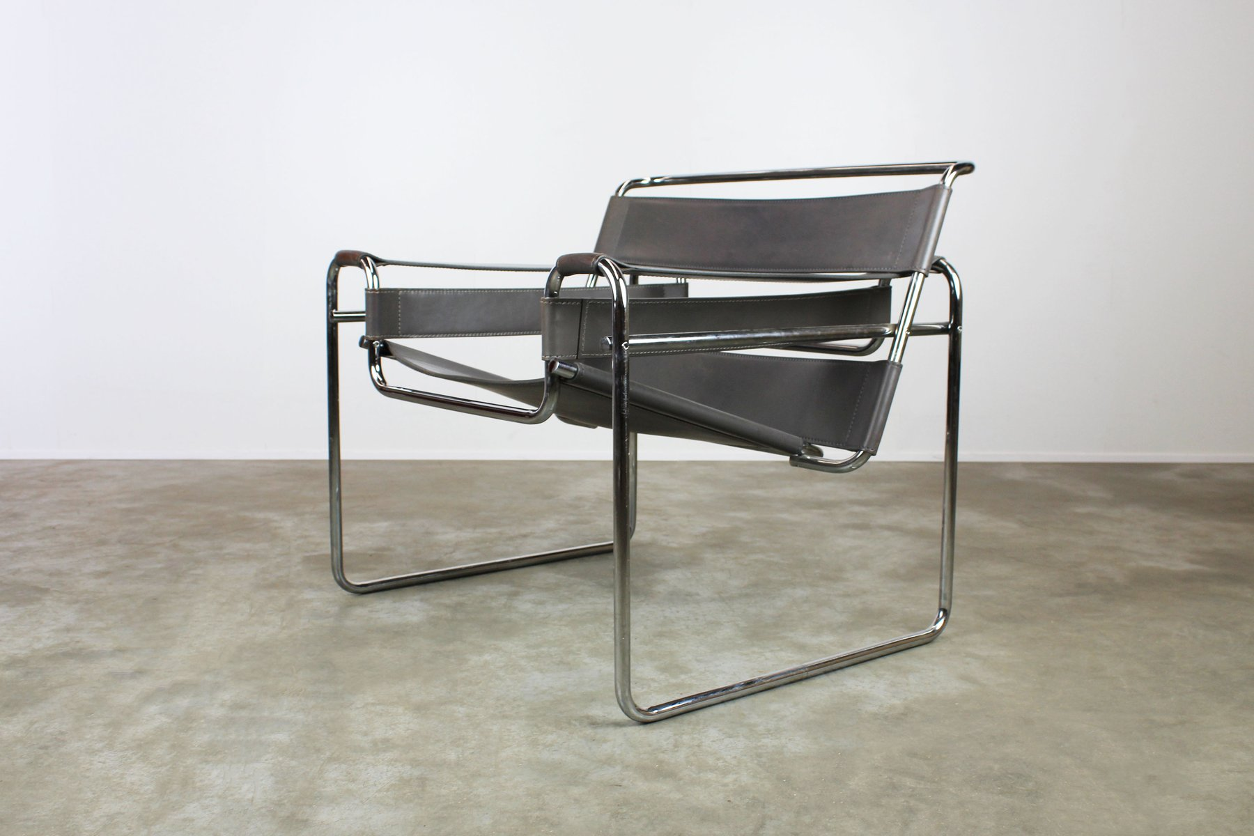 Grey Leather Wassily Chairs By Marcel Breuer 1970s Set Of 2 For Sale At Pamono