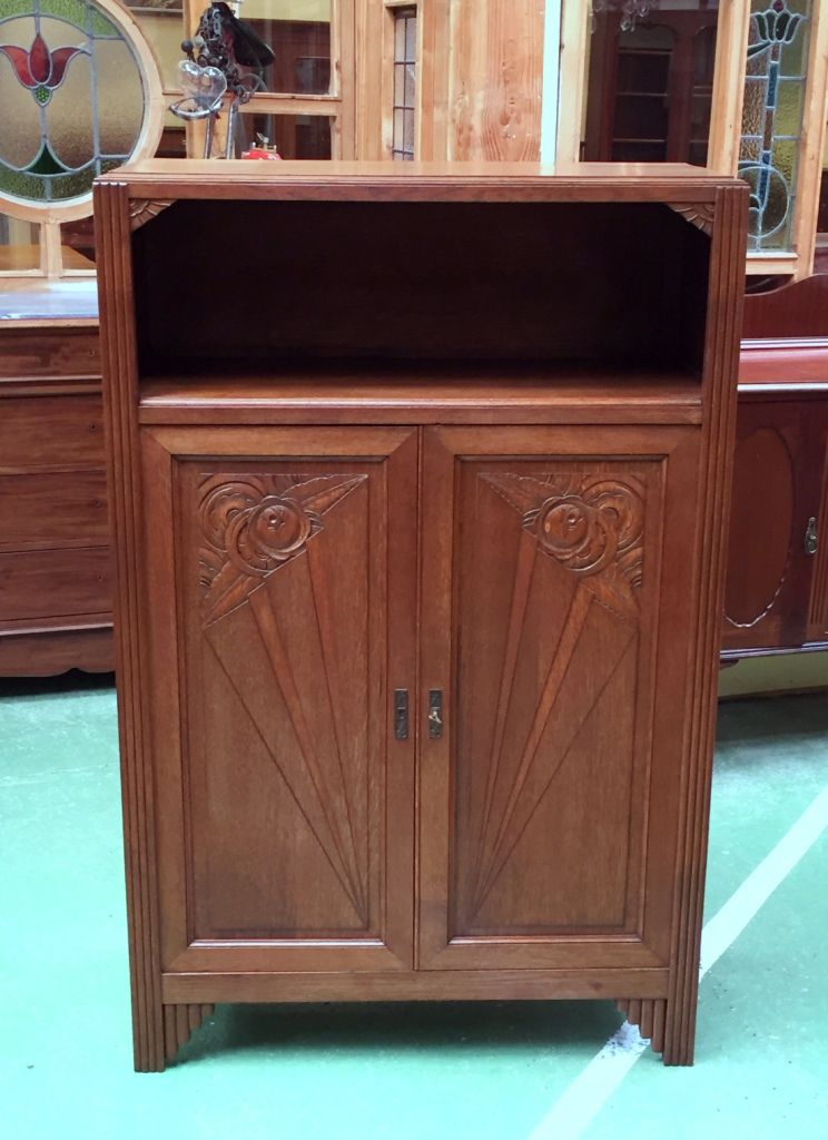 Small oak cabinet 1930s for sale at pamono for 1930s kitchen cabinets for sale