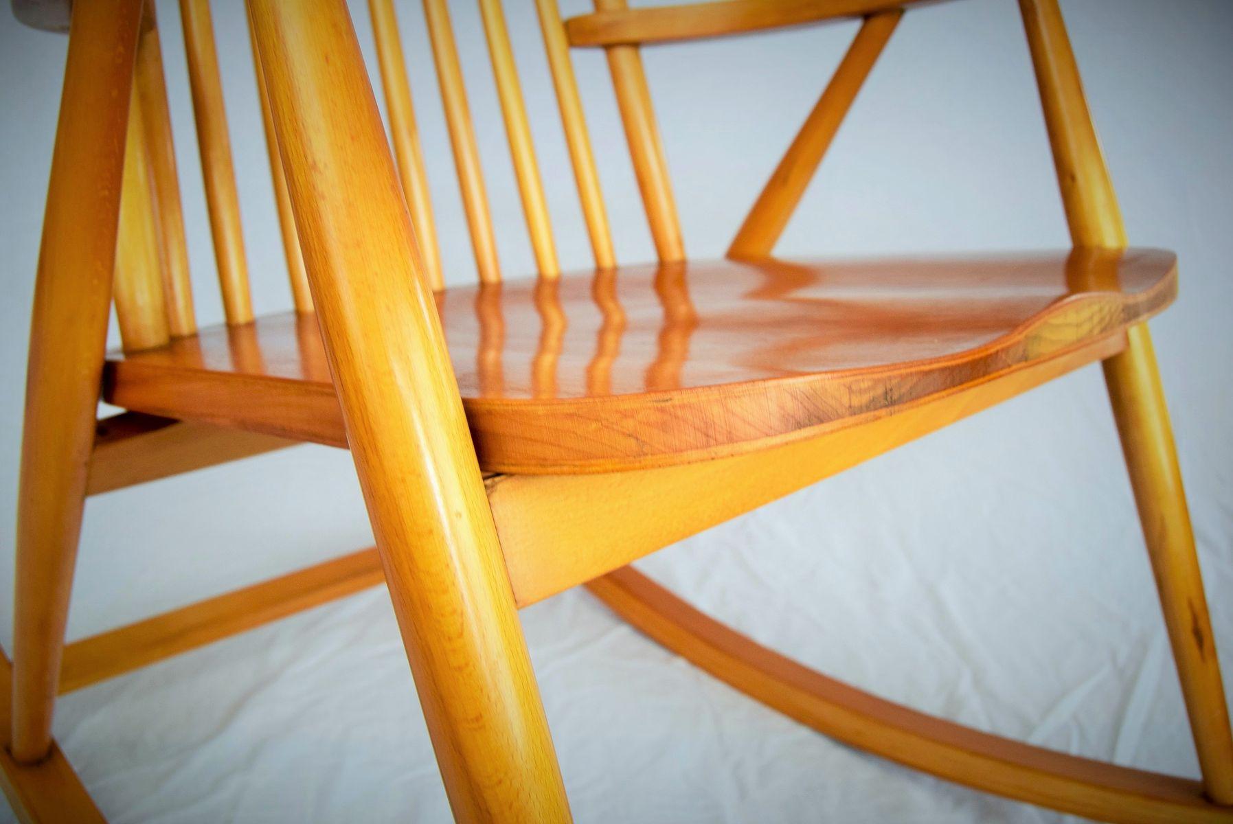 finnischer schaukelstuhl von varjosen puunjalostus f r uusikyl 1965 bei pamono kaufen. Black Bedroom Furniture Sets. Home Design Ideas