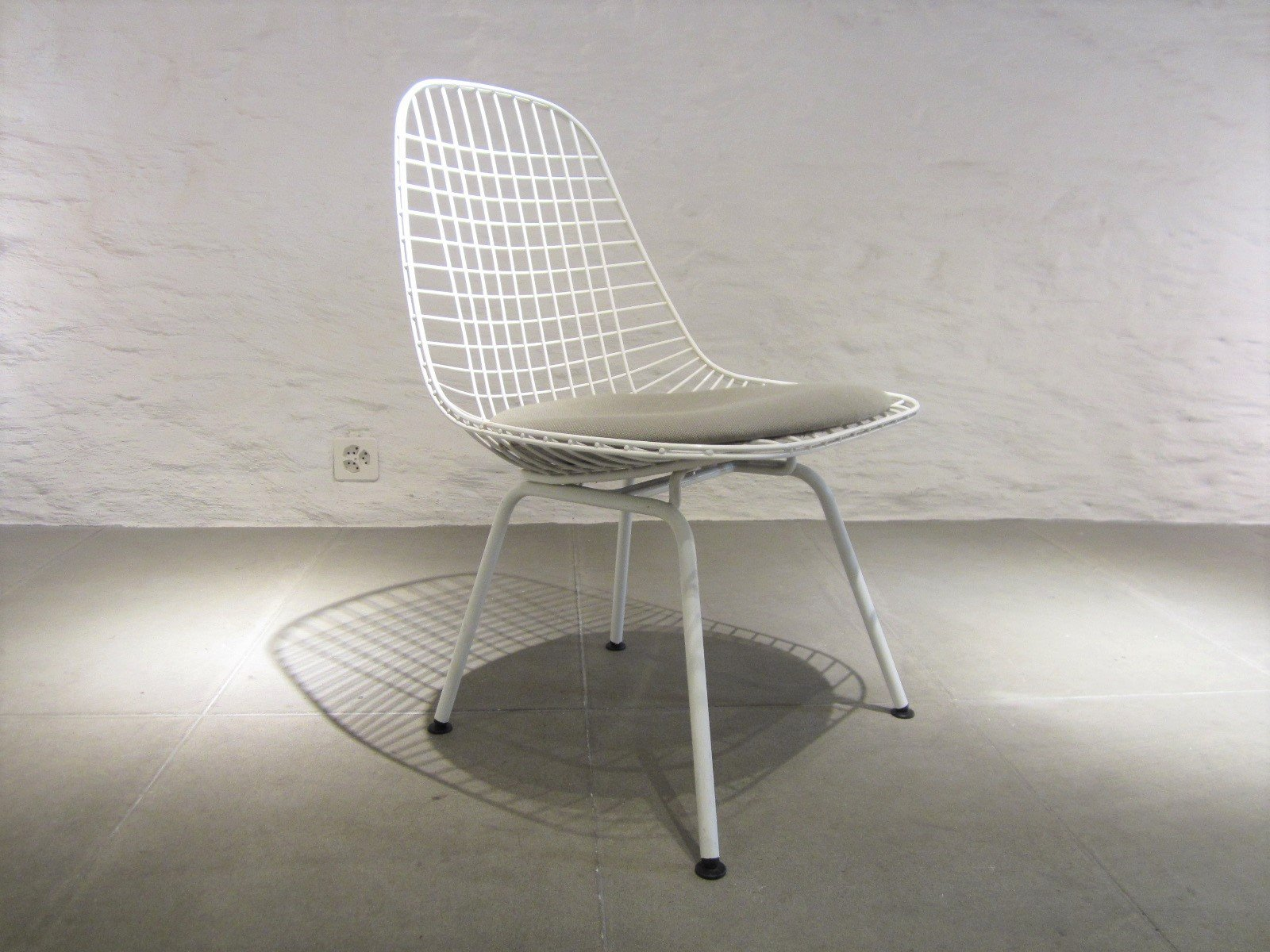 wire chair by charles ray eames for vitra 1980s for. Black Bedroom Furniture Sets. Home Design Ideas