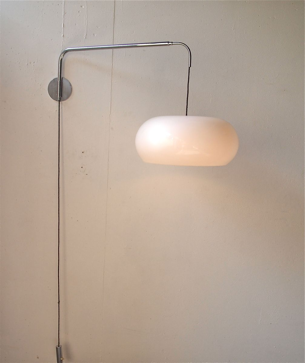 Vintage Chrome Wall Sconces : Vintage Wall Sconce in Perspex and Chrome for sale at Pamono