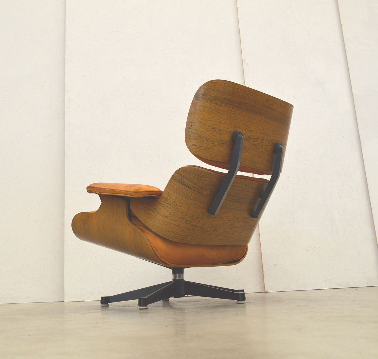 palisander sessel ottoman von charles ray eames f r herman miller 1970er bei pamono kaufen. Black Bedroom Furniture Sets. Home Design Ideas
