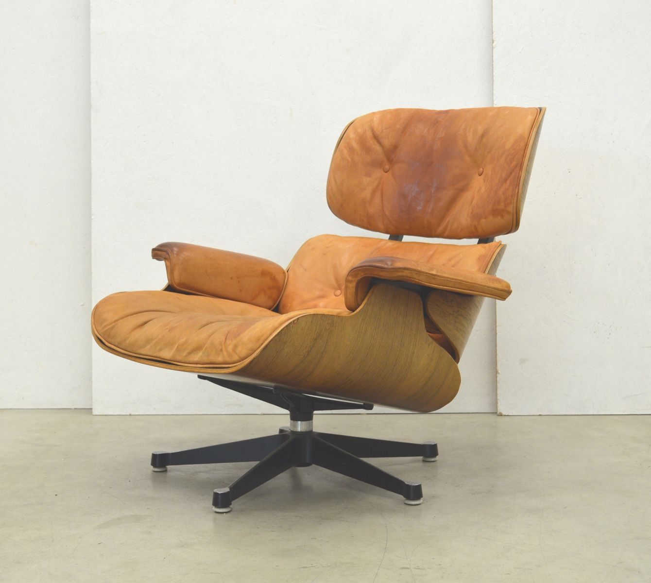 rosewood lounge chair ottoman by charles ray eames for herman miller 1970s for sale at pamono. Black Bedroom Furniture Sets. Home Design Ideas
