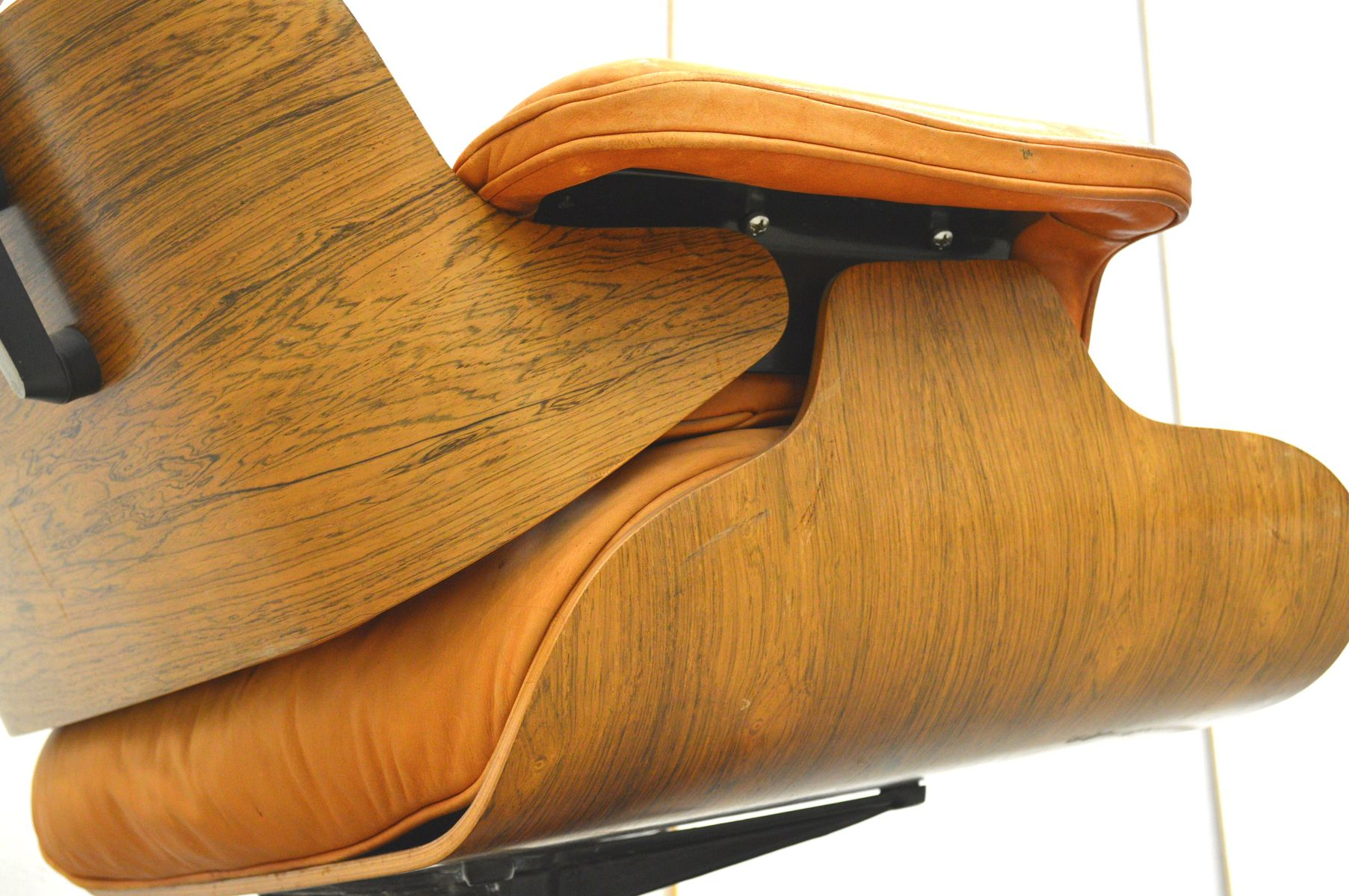 rosewood lounge chair ottoman by charles ray eames for herman