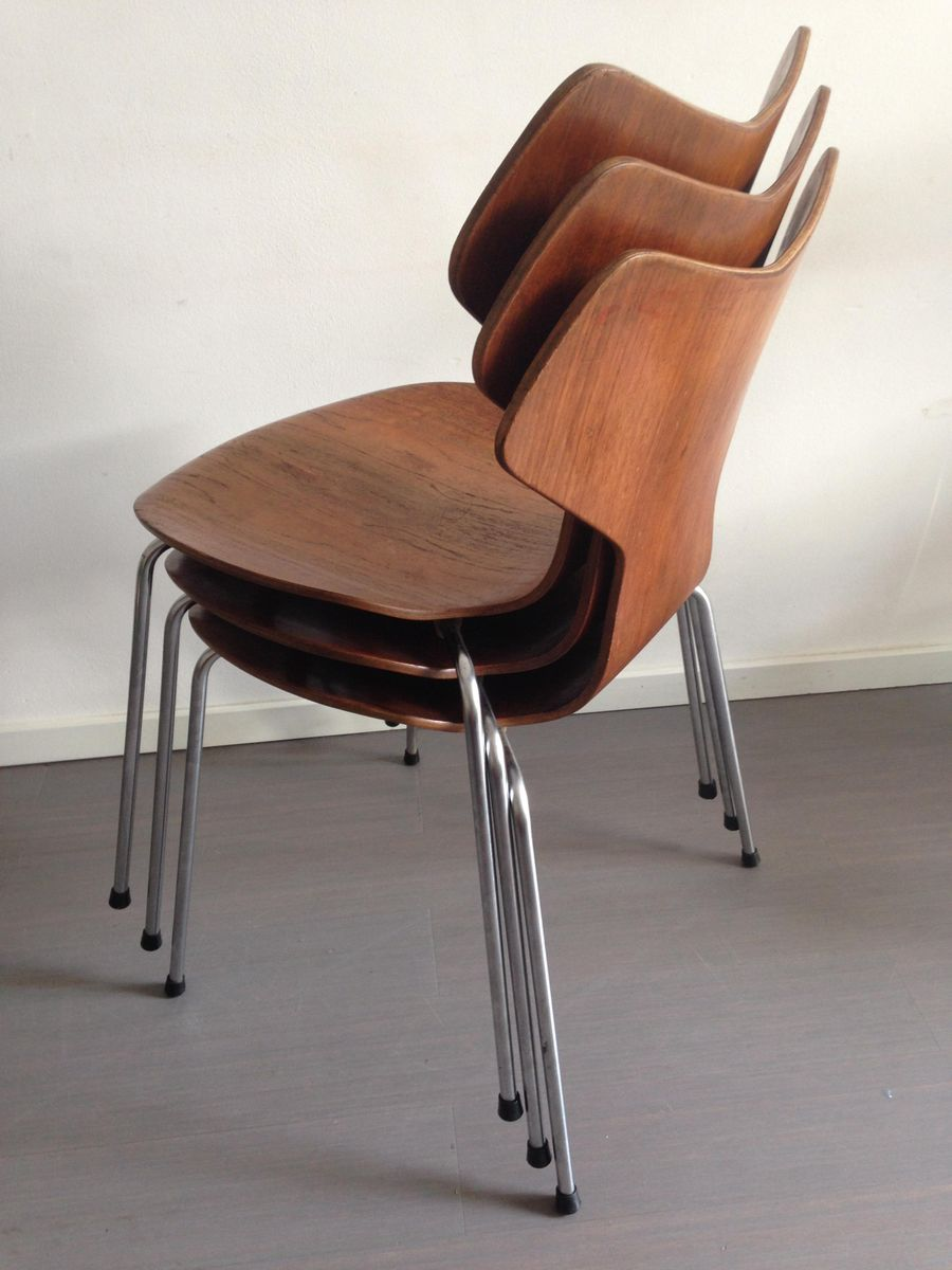 Model 3130 grand prix chairs in teak by arne jacobsen for fritz hansen 1967 - Chaise grand prix jacobsen ...