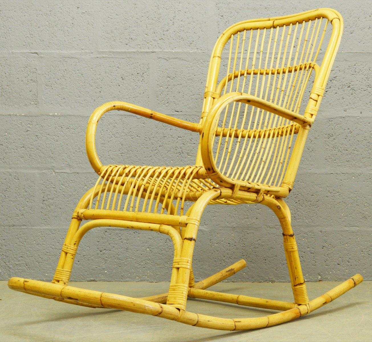 mid century schaukelstuhl aus bambus rattan 1960er bei