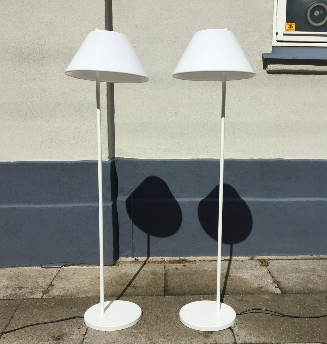 White danish minimalist combi floor lamps by per iversen for louis white danish minimalist combi floor lamps by per iversen for louis poulsen 1980s set of 2 geotapseo Images