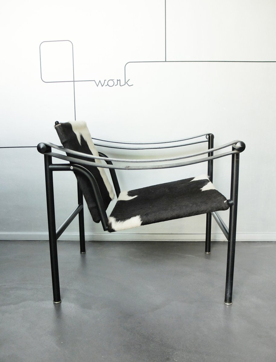 lc1 chair by le corbusier pierre jeanneret charlotte perriand for cassina 1980s for sale at. Black Bedroom Furniture Sets. Home Design Ideas