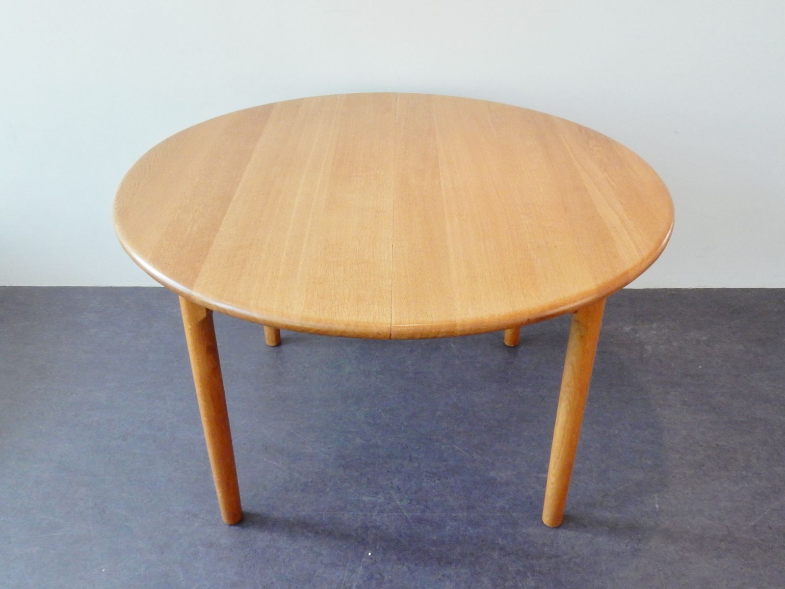 Round extendable danish oak dining table from kp m bler 1970s for sale at pamono - Oak extendable dining table ...