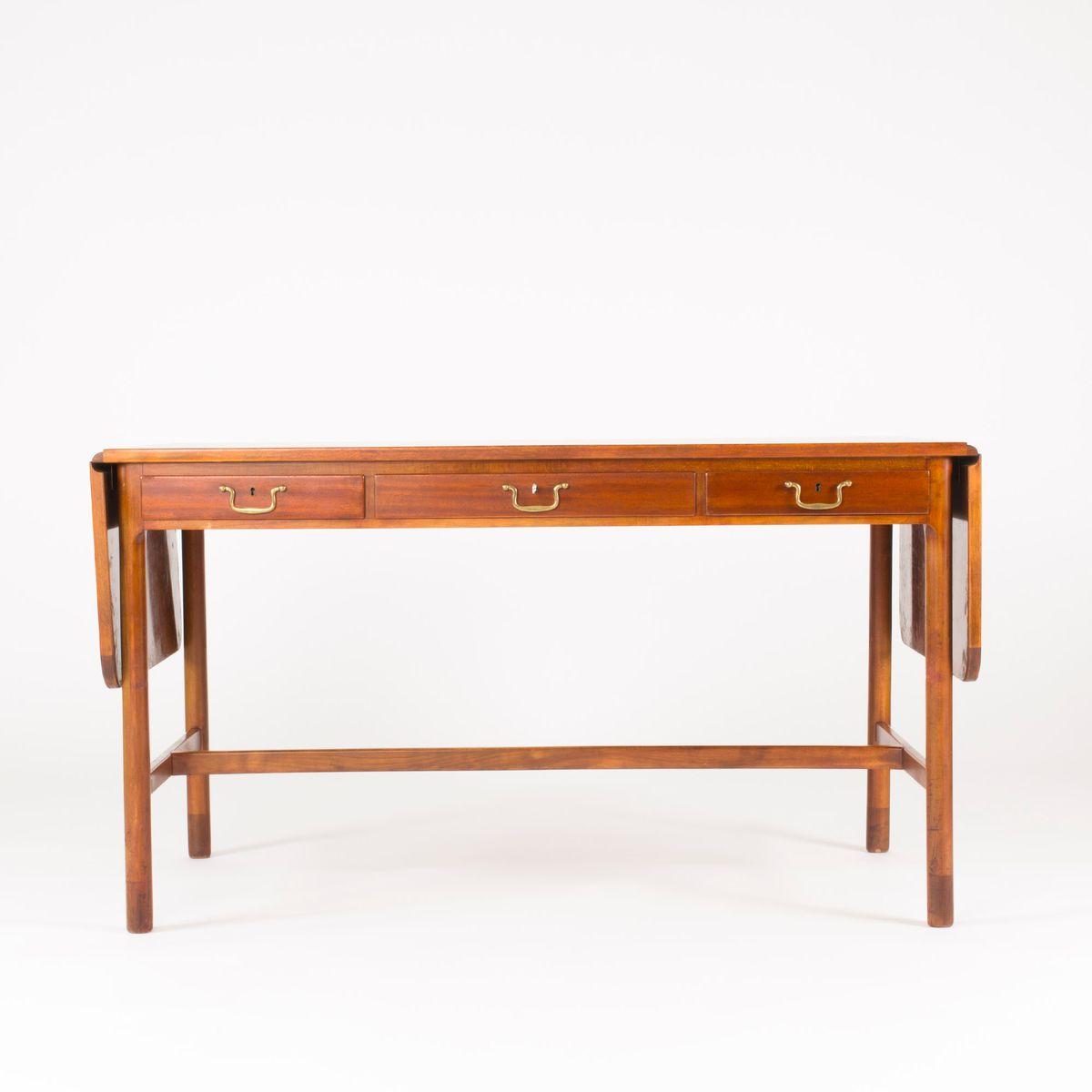 Mahagoni schreibtisch von josef frank f r svenskt tenn for Schreibtisch 2 meter lang