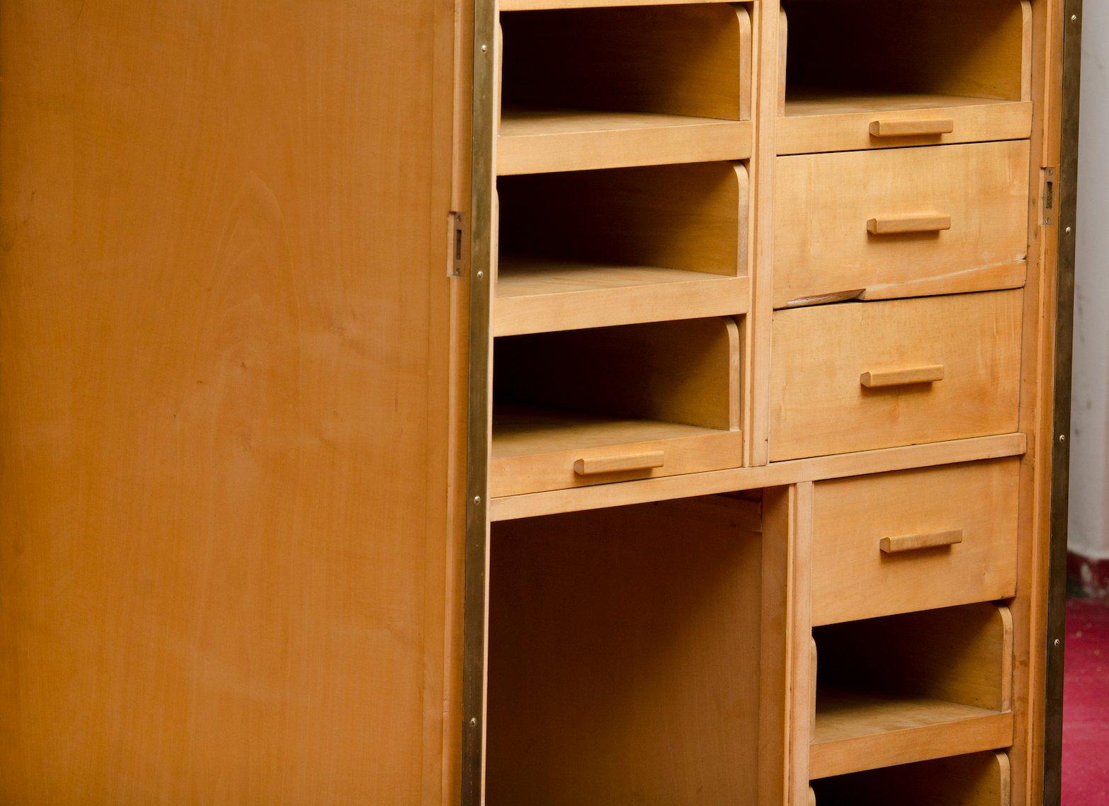 moderner vintage ahorn furnier kleiderschrank bei pamono. Black Bedroom Furniture Sets. Home Design Ideas