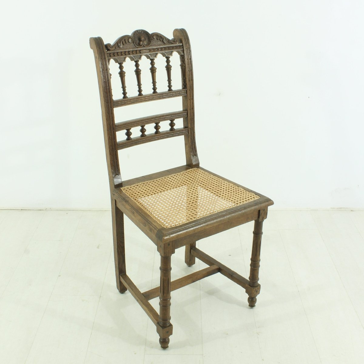 antiker stuhl 1900er bei pamono kaufen. Black Bedroom Furniture Sets. Home Design Ideas