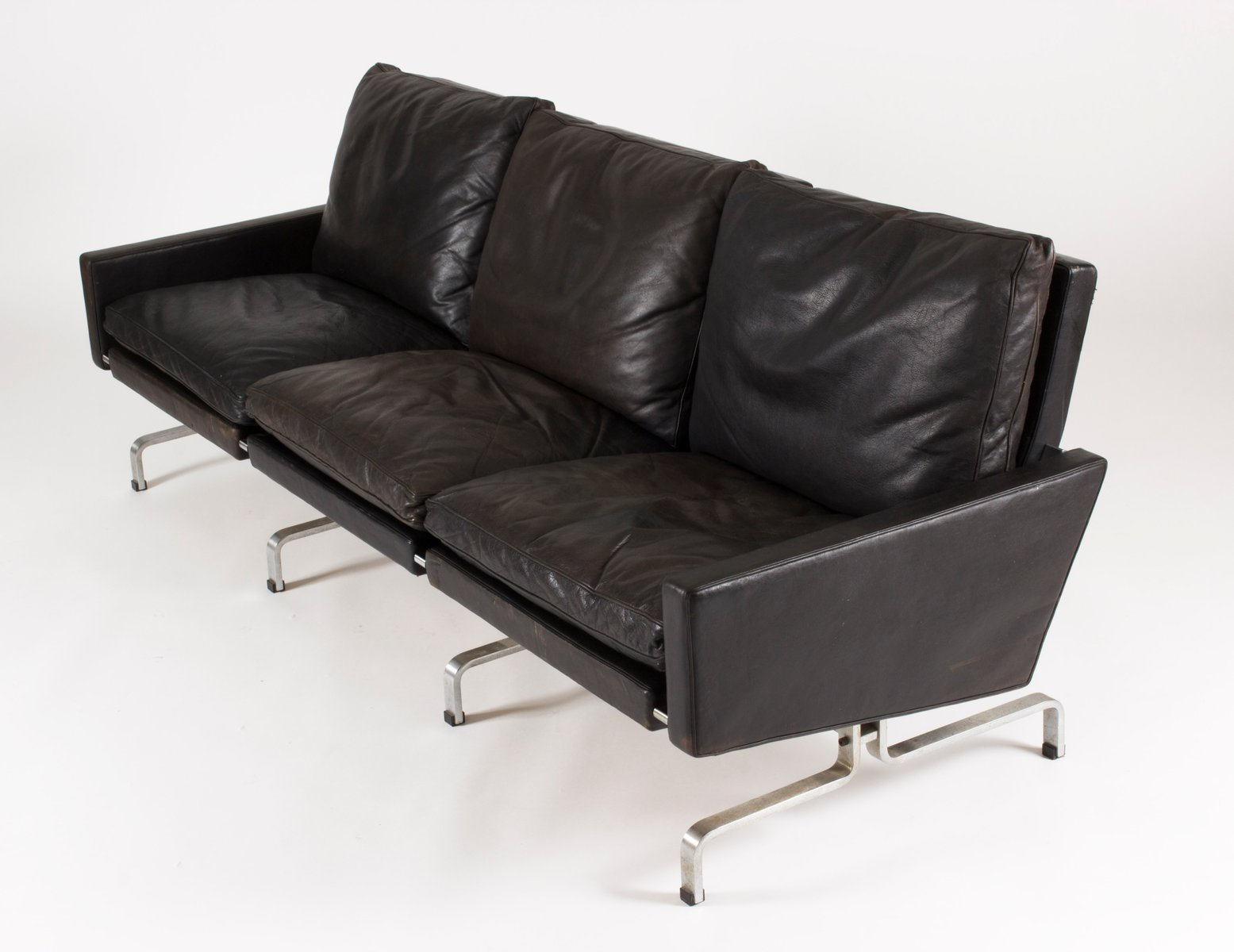 Pk 31 3 seater leather sofa by poul kjaerholm for e kold for Leather sofa 7 seater