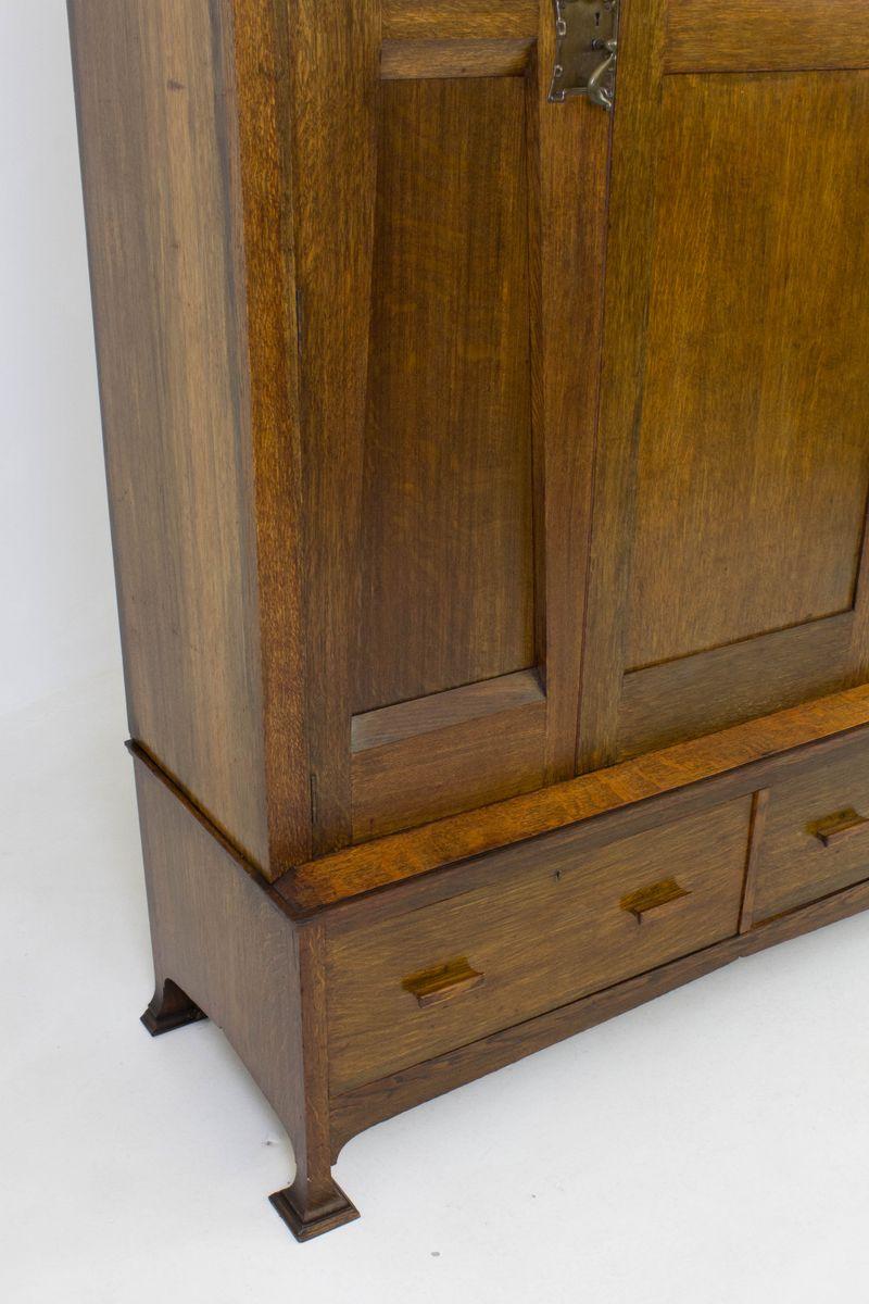 oak english arts crafts wardrobe or armoire 1900s for. Black Bedroom Furniture Sets. Home Design Ideas