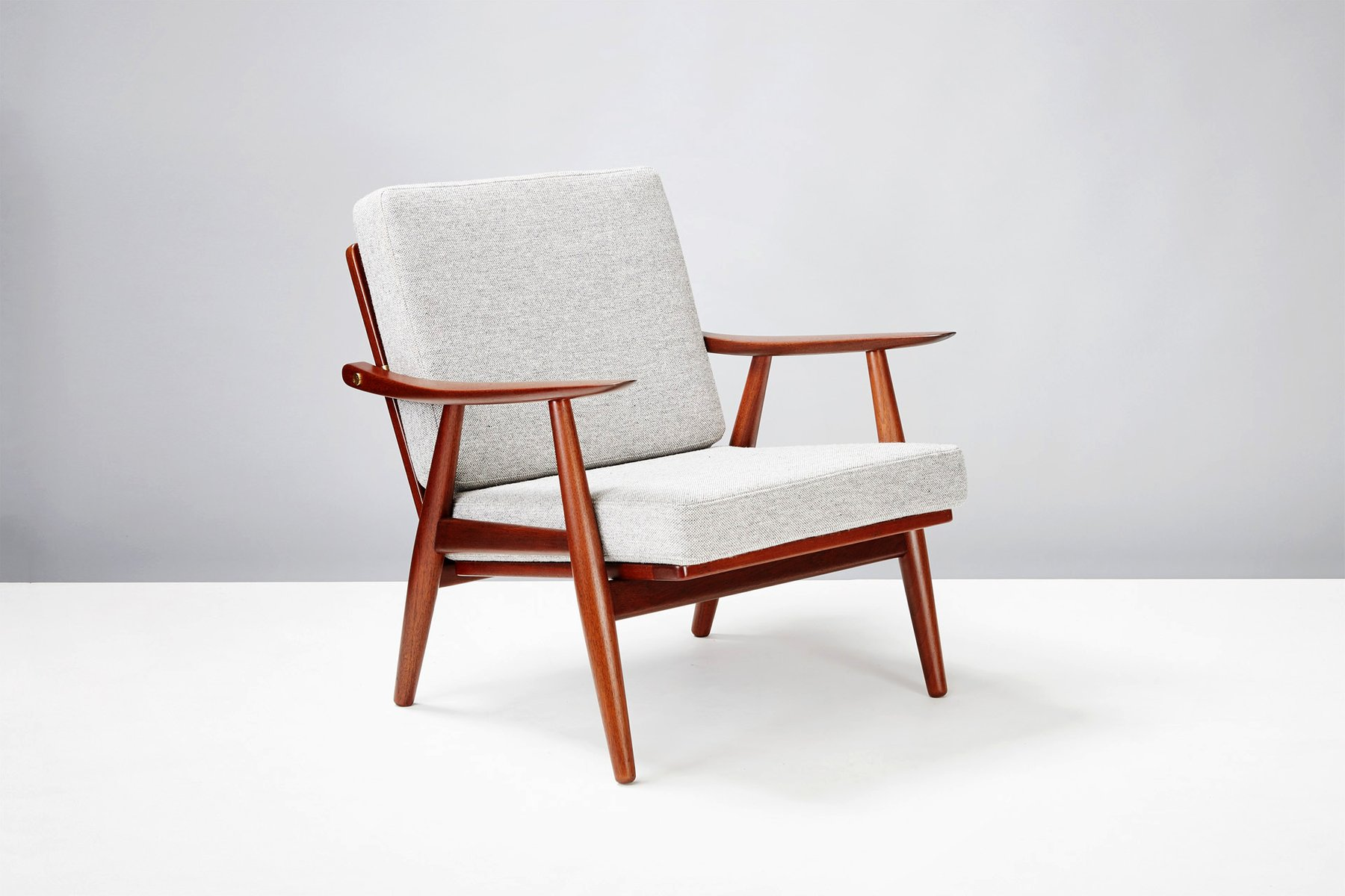 ge270 chairs by hans wegner for getama