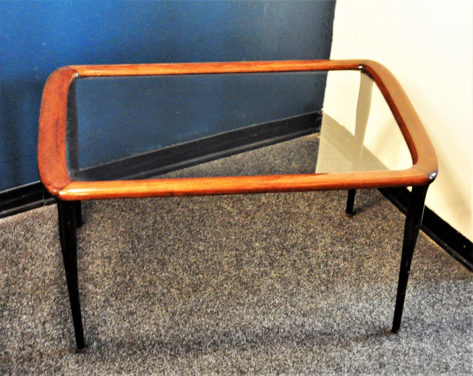 italienischer mid century couchtisch mit glasplatte bei. Black Bedroom Furniture Sets. Home Design Ideas