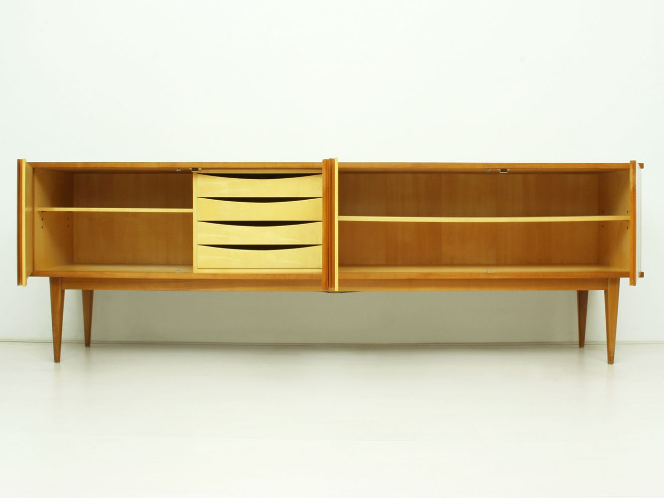 deutsches kirschholz sideboard von wk m bel 1962 bei pamono kaufen. Black Bedroom Furniture Sets. Home Design Ideas