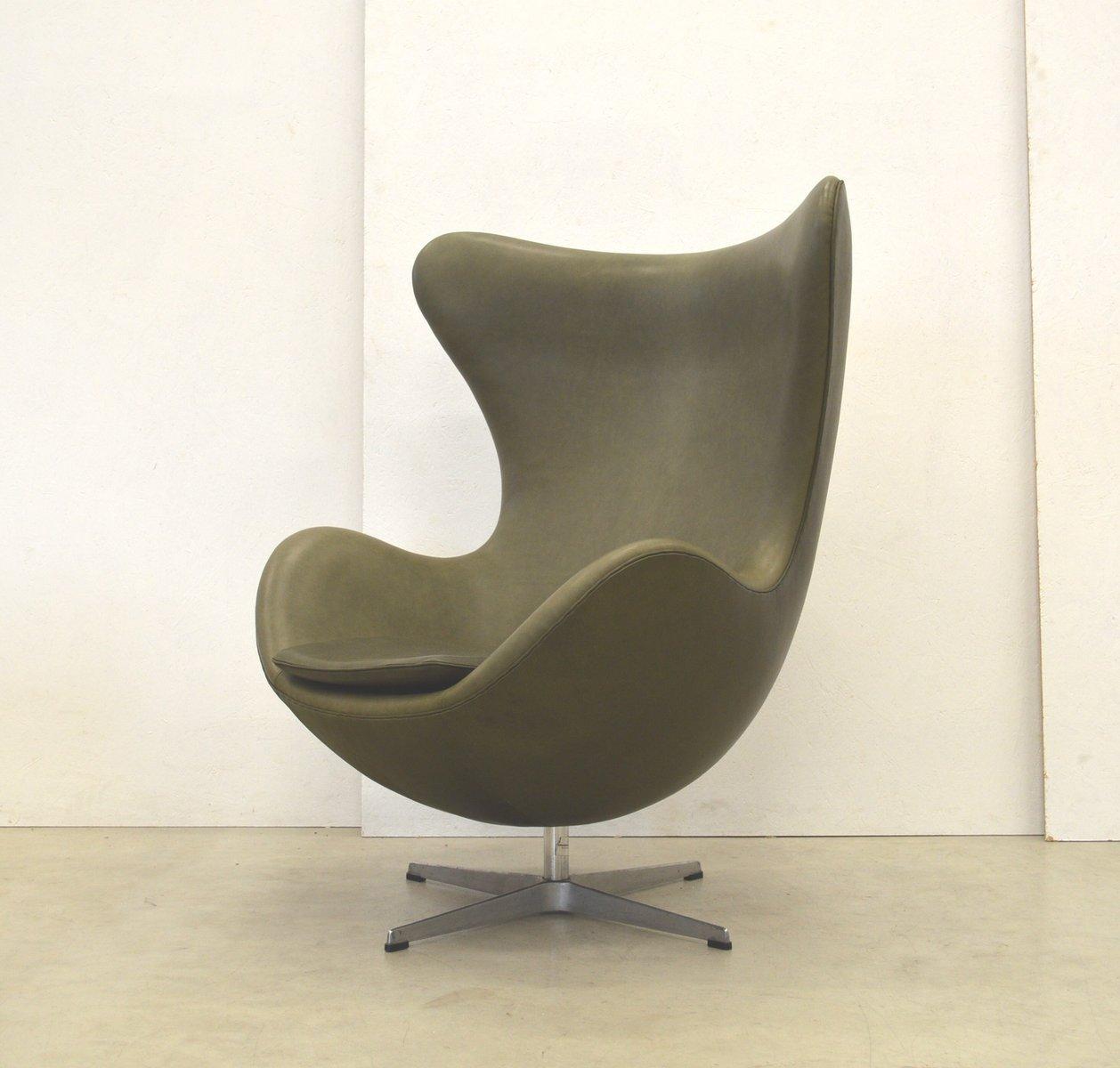 khaki green egg chair by arne jacobsen for fritz hansen. Black Bedroom Furniture Sets. Home Design Ideas
