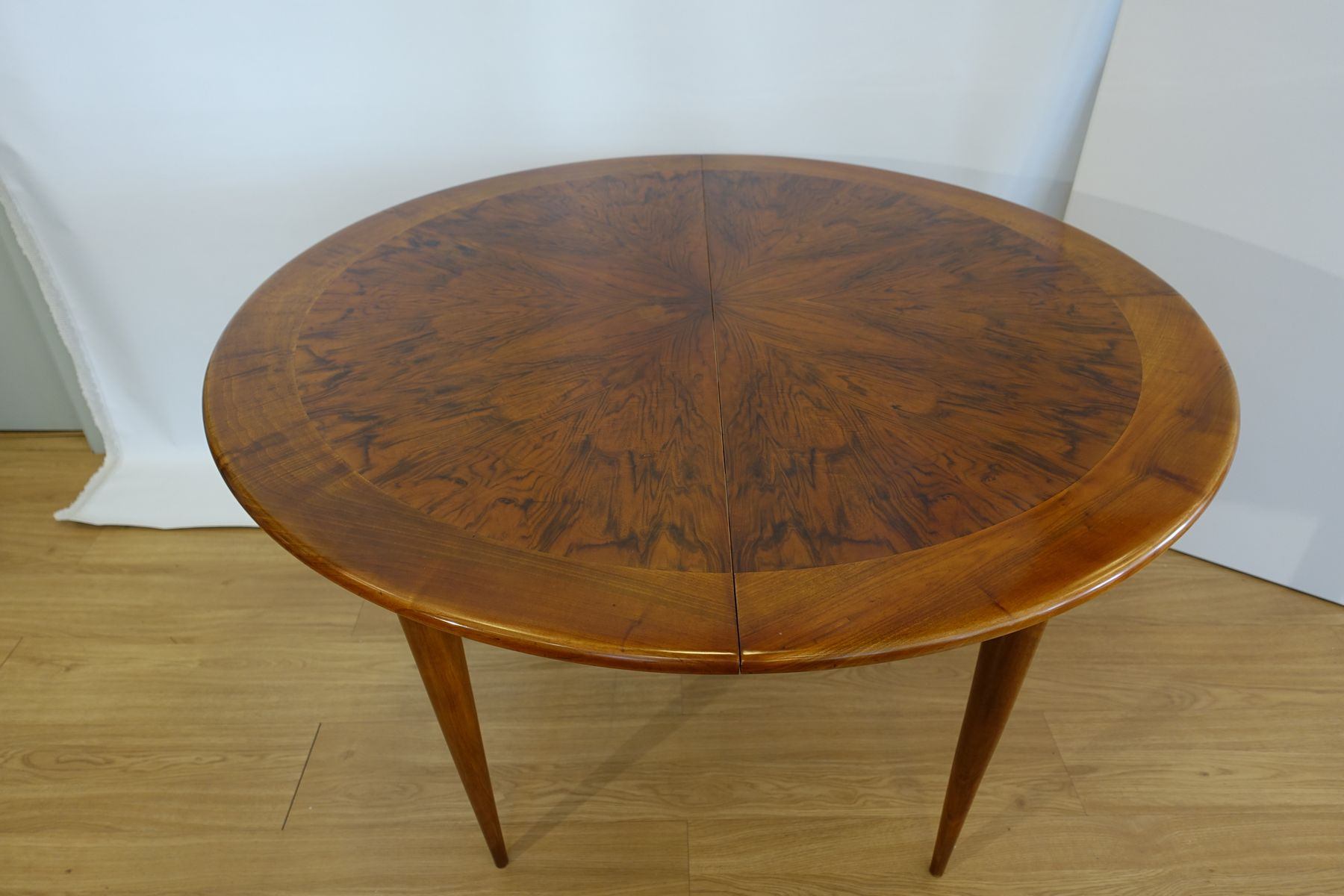 Round Walnut Dining Table by José Cruz de Carvalho for Altamira