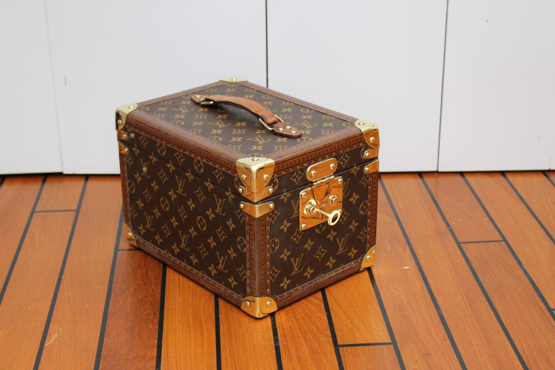 meuble boissons de louis vuitton 2005 en vente sur pamono