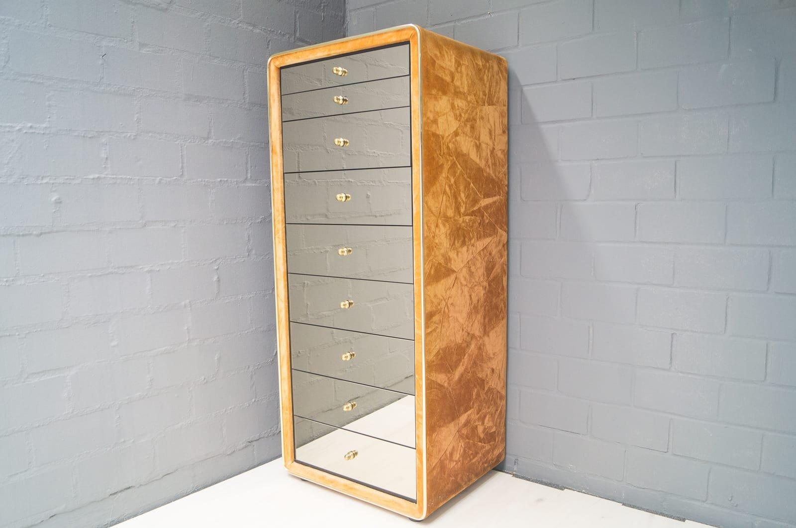 verspiegelte kommode mit acht schubladen von ruf. Black Bedroom Furniture Sets. Home Design Ideas