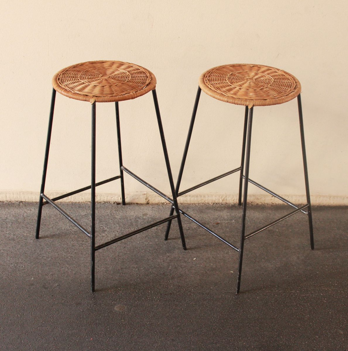 Rattan Amp Metal Bar Stools 1950s Set Of 2 For Sale At Pamono